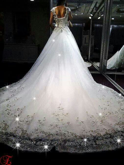 12184 best images about Sweet Gowns on Pinterest | Haute couture ...