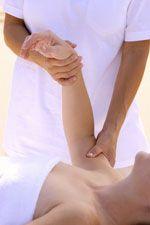Parapsychologie und Prana.  Die Fähigkeit eines Heilers ist nichts anderes als die Fähigkeit der Prana-Übertragung. Das betrifft die meisten Formen von Geistheilung und natürlich auch das Reiki. Aber auch gute Ärzte (meist die so genannten Hausärzte), gute Chiropraktiker, Physiotherapeuten, Heilpraktiker und Masseure haben bewusst oder unbewusst Heilkräfte oder sogar heilende Hände.  Mehr über Prana und Heilung auf unserem Prana Portal. www.yoga-vidya.de/Prana.html