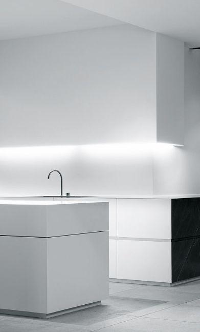 Wilfra - kitchen - minimalism -minimalistic - black - white