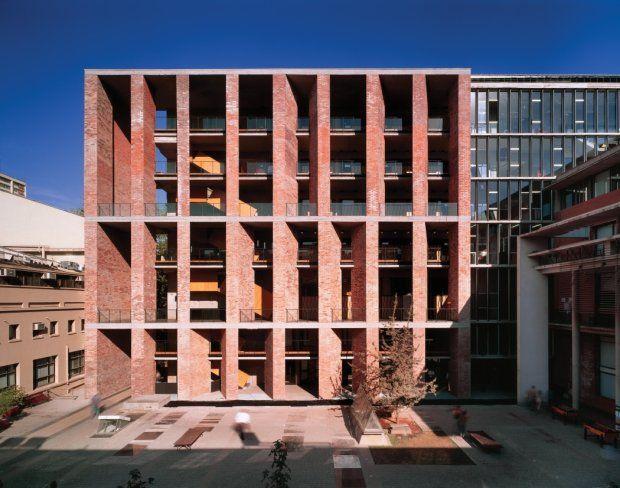 Zdjęcie numer 7 w galerii - Nagroda Pritzkera 2016 dla chilijskiego architekta Alejandro Araveny