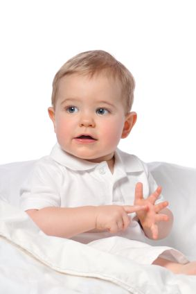 If you'd like to make your baby to fuss less and give them a jump start on communication, here are my best tips for teaching baby sign language to your little one. Check this out on the Quicken Loans Zing Blog!