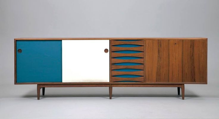 Sideboard designed by Arne Voder and manufactured by Sibast in 1950. Photo: jacksons.se