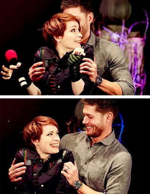 Jensen Ackles and Felicia Day. Awwww! Can we just all agree that we would do anything to be in her place♥♥