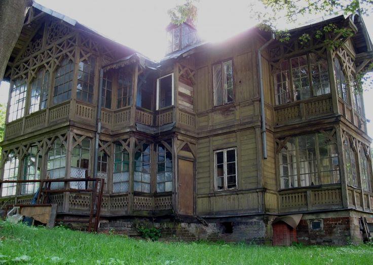 "Poland, Warszawa - Płudy. Villa ""Hieronimówka"" Street. Fletniowej 2, an interesting example of the style świdermajer. (Not sure I got the address right...)"