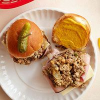 Slow Cooker Cuban-Style Pork Sliders with Mojo SauceHot Pot