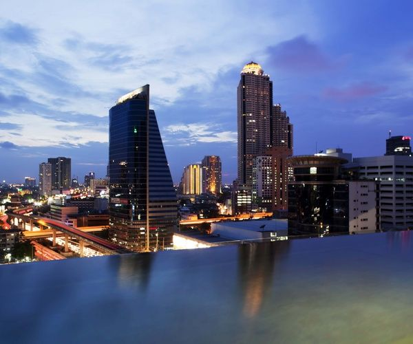 Eastin Grand Hotel Bangkok (Sathorn).  Our first two nights in Thailand!!