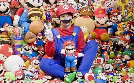 Mitsugu Kikai is the world record holder of Mario memorabilia. Kikai said that he never tried to become a number one collector, but he loved Mario since he was little, and the collection gradually grew.