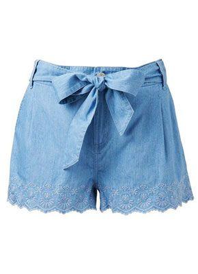 Шорты – специфический предмет гардероба, выбирать который нужно так, чтобы максимально показать красоту Ваших ног.