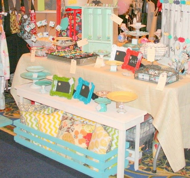 i like the idea of the small table in front of large folding table and then craft booth displayscraft