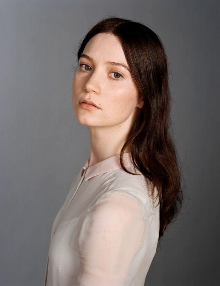 Mia Wasikowska, Stoker (blu-ray extras)