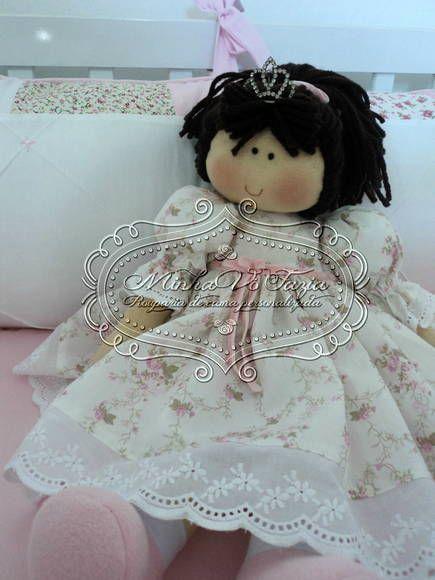 Boneca Princesa Nina Mede 48 cm em pé e 28 cm sentada Pode ser feita em outras cores, consulte-nos. R$ 110,25