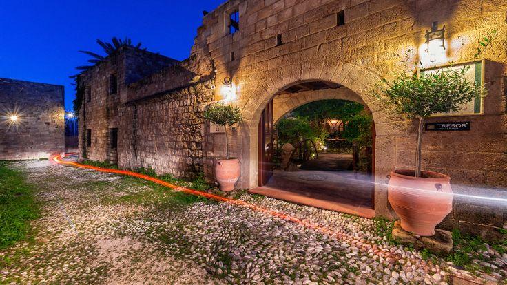 Avalon Hotel, old town, Rhodes: Garden-Reception