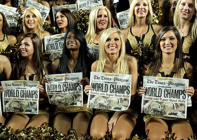 Super Bowl Cheerleaders sit for a picture?