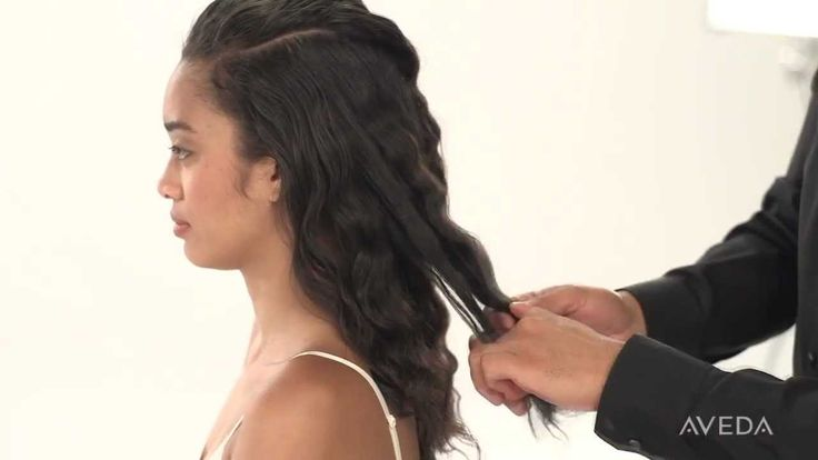 Aveda How-to: Loosen and Elongate Curls with Be Curly™