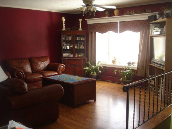 25 best bi level homes ideas on pinterest for Split living room dining room ideas