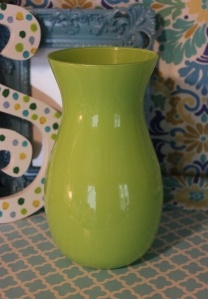 Every room needs a cute vase to bring in pops of color.  www.hungouttobuy.com