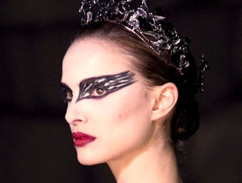 Google Image Result for http://coquetteinparis.files.wordpress.com/2011/11/black-swan-gallery-image2-72891549.jpg