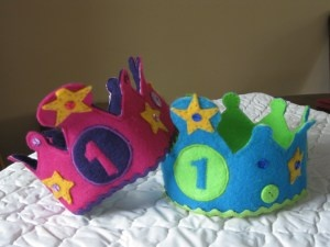 Make your little one their own birthday crown! Gotta give this a try ;)