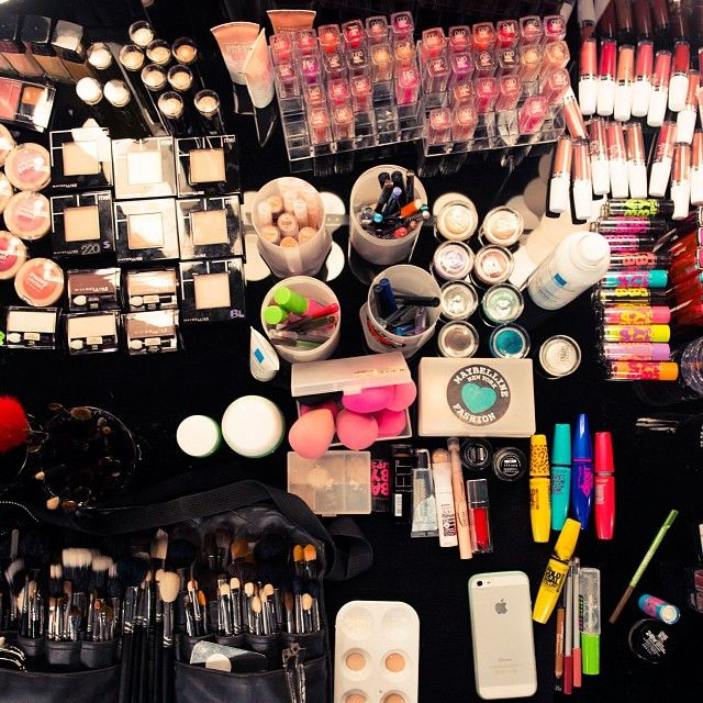 It takes a village. ;) @Maybelline Canada @Grace Lee #bornwithit #wmcfw