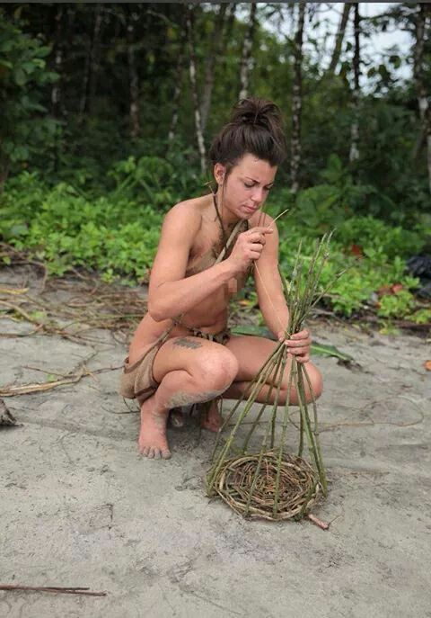 Naked and afraid girl laura
