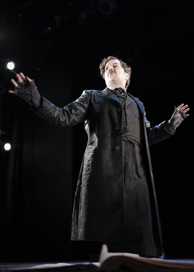 Mark O'Regan  in Threepenny Opera at the Gate Theatre