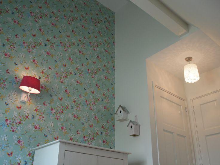 inrichting meisjeskamer met hoge nok en behang Pip Studio #bedroom #children _IRMA woonprojecten