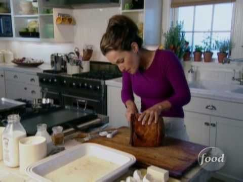 ▶ Panettone French Toast http://www.foodnetwork.com/recipes/giada-de-laurentiis/panettone-french-toast-recipe/index.html