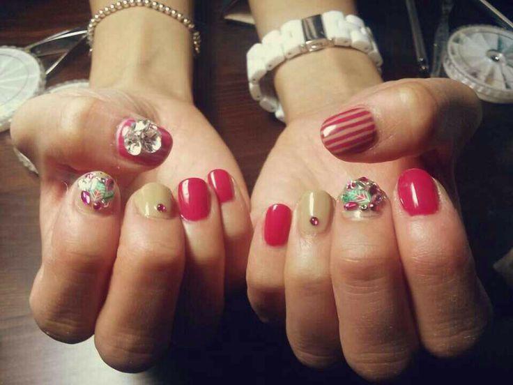 Gel nail art/creative designs