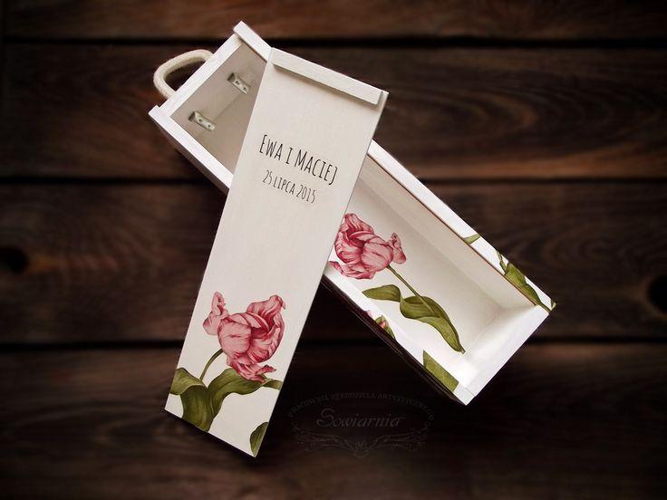 Wedding wine box with tulips (decoupage & transfer) / Ślubna skrzynka na wino