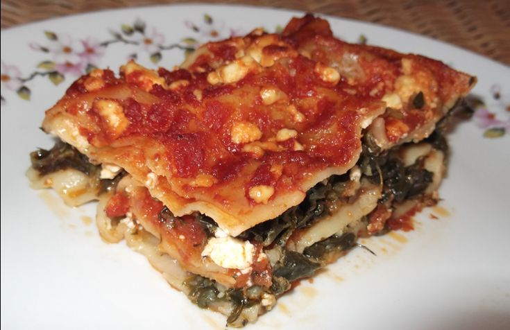 Λαζάνια με σπανάκι,φέτα και σάλτσα ντομάτας - Eimaimama.gr
