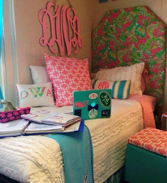 17 Best ideas about Preppy Dorm Room on Pinterest  Dor ~ 131045_Earthy Dorm Room Ideas