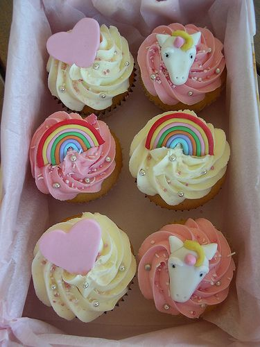 Unicorn and rainbow cupcakes. so beautiful!