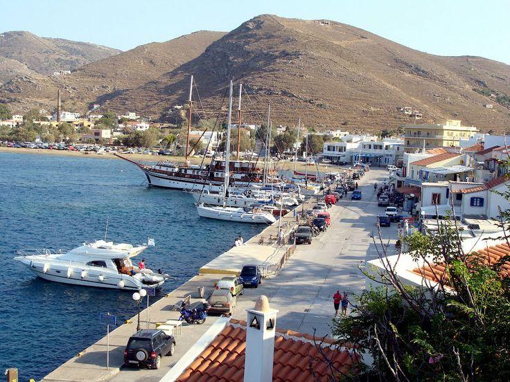 Λιμάνι Κορισσίας από Αγία Τριάδα (View Korissia port from Agia Triada - Kea) #south_aegean
