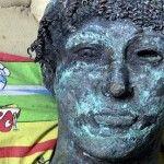 El pasado agosto, una rara estatua en bronce del dios Apolo a escala real y de 500 kilogramos de peso fue hallada por un pescador en la franja de Gaza.