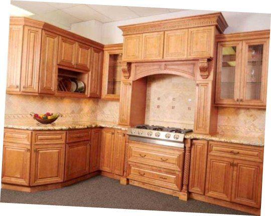 Spanish kitchen style in kitchen liquidators furniture for Kitchen units spain