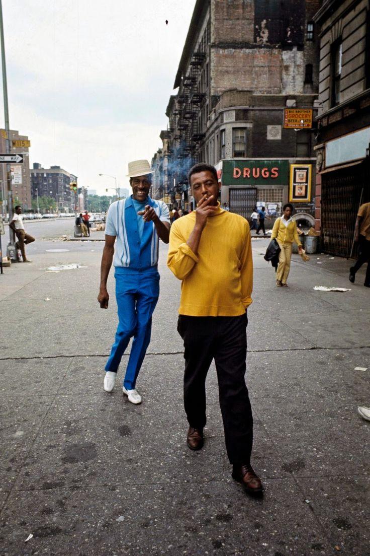 vintage everyday: Amazing Photographs of Harlem in the 1970s.  Somebody's happy :-):-)