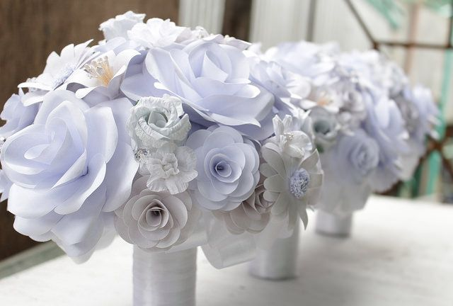 White Paper flower bouquets...by www.thepaperflorists.com