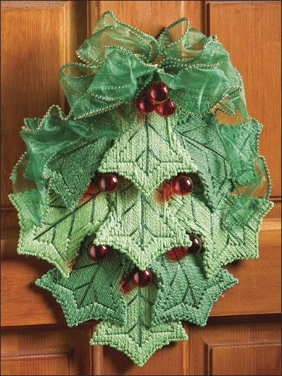 Plastic Canvas - Christmas Patterns - Holly Leaf Swag