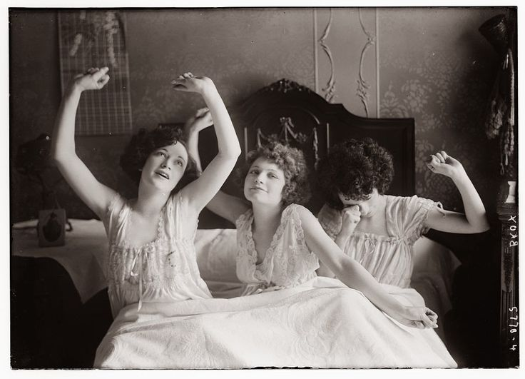 vintage everyday: Vintage Photos of The Brox Sisters in the 1920s