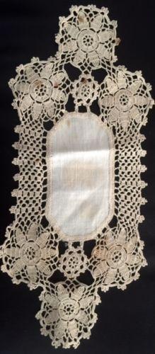 Vintage-linen-ecru-lace-trim-longline-doily-very-pretty