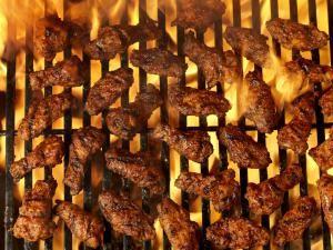 Alitas de pollo al estilo Buffalo: Alitas de pollo a la parrilla