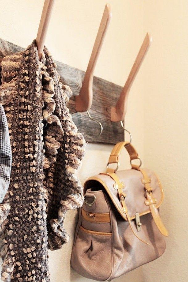 Maak je eigen kapstok met kleerhangers #DIY