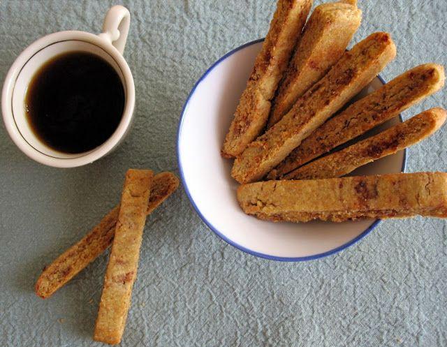 Μπισκότα ελαιόλαδου με χουρμάδες και καρύδια