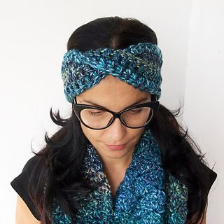 Best friend twisted headband is part of my Best friend collection:-) and of course inspired and made for one of my best friends who is big fan of turban type of headwear.