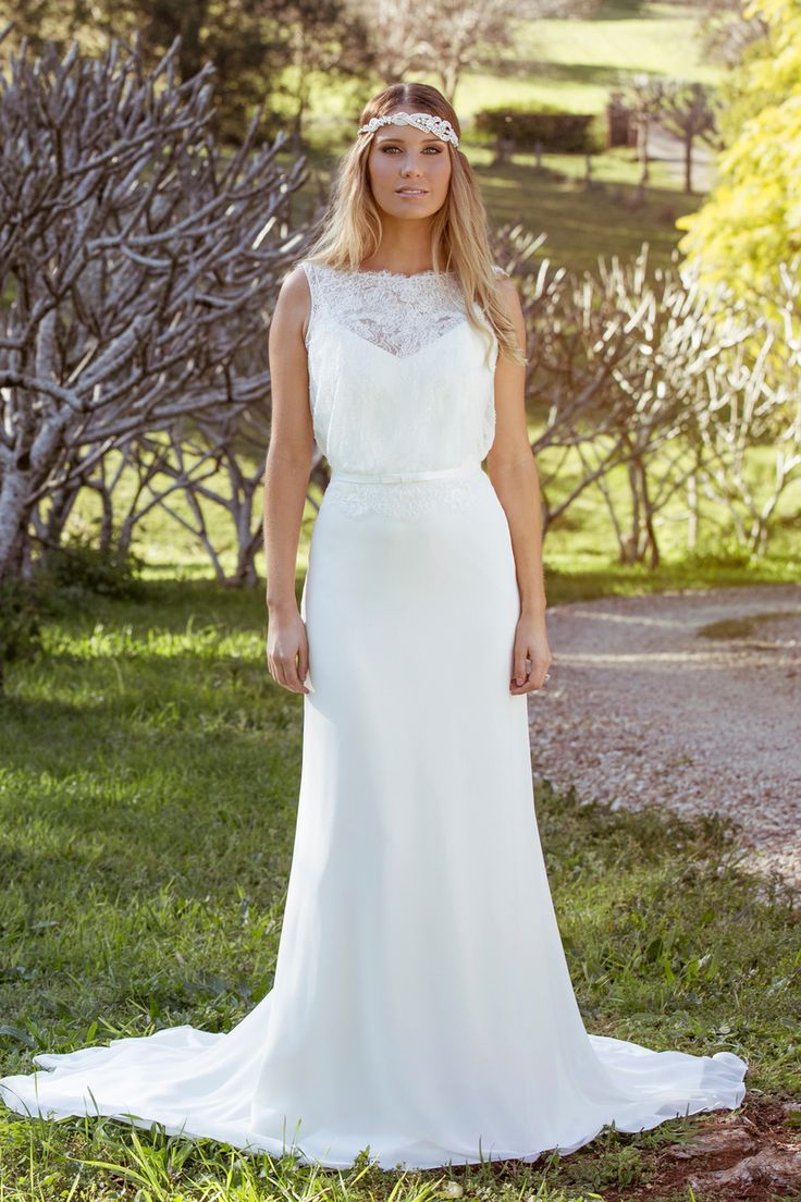Bridal water lily 2226 wedding dresses photos brides com - Laura The Mia Solano Laura Beach Wedding Dress Is A Mia Solano Classic Bringing Out The True Romantic In Each Bride This Wedding Gown Is Pure Perfection