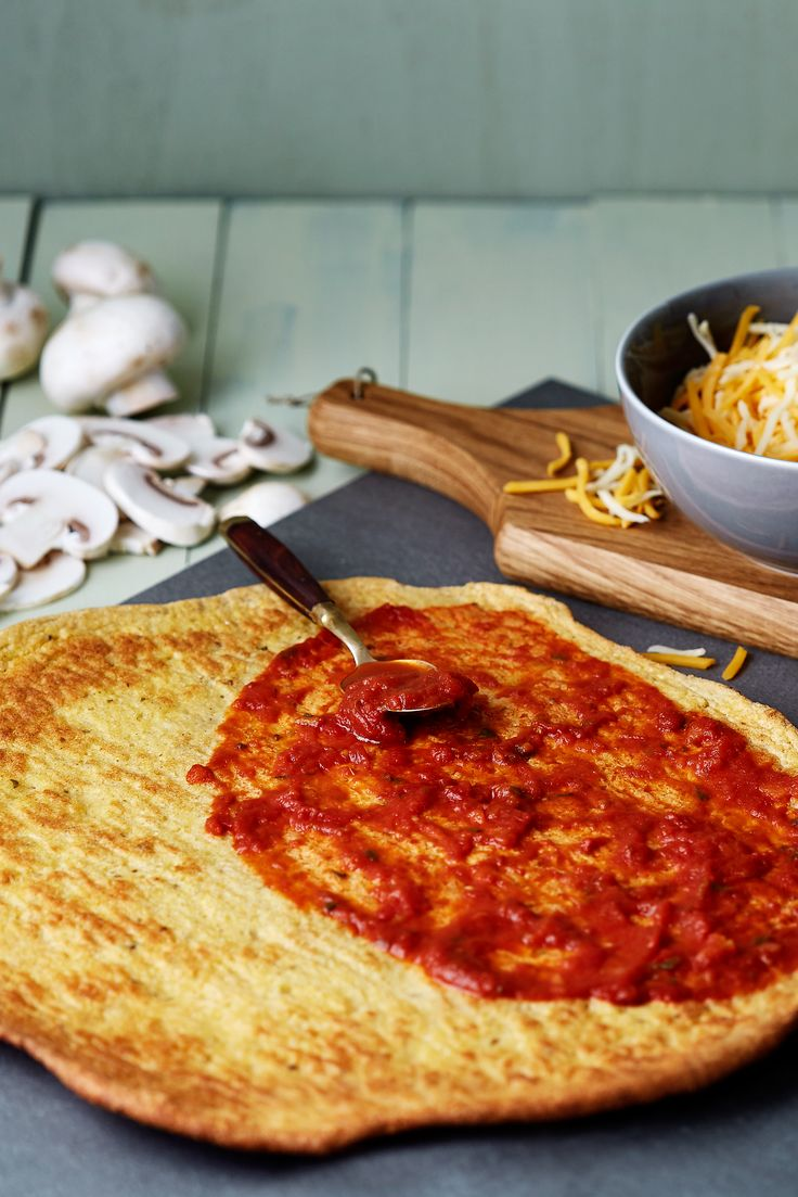 "Want pizza? Want it quickly? Like it crusty? Then bake a double batch of these delish, crispy and <a href=""https://www.dietdoctor.com/low-carb/keto"">keto</a> pizza shells and put them in the freezer. Quick and easy Pizza Night, here we come. Crunch!"