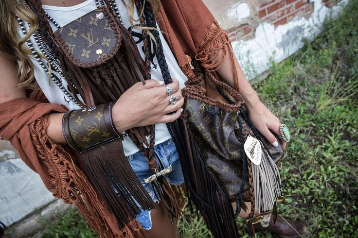 The Festival Necklace, Braided Brown/Black Longhorn Necklace and Peace Sign Cuff paired with an LHTX, Pistol Packin' Mama bag featuring jewelry from none other than Turquoise & Co. #theoriginal #leatherandvodka #turquoiseandco