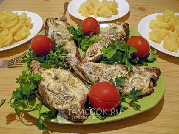 Рыба, запеченная на решетке в духовке
