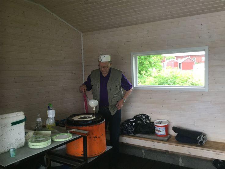 """Risto Viljakka kiitos idean """"isälle""""17.6.16 oli elämys. Risto toimi myös lättymestarina"""