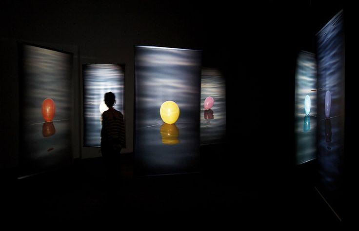 Hale Tenger, Balloons on the Sea (2011)